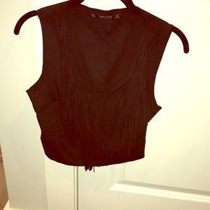 Fringed crop top.